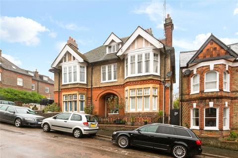 2 bedroom flat for sale - Cowper Road, Berkhamsted, Hertfordshire, HP4