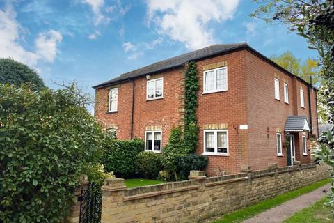 4 bedroom house for sale - Laleham, Staines Upon Thames, TW18