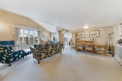 3 bedroom flat for sale - Gainsborough House, 7 Victory Place, London, E14