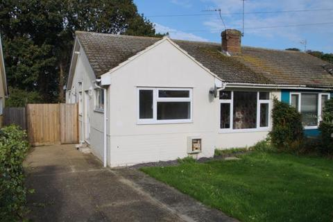 3 bedroom semi-detached bungalow to rent - Cypress Close, Clacton on Sea