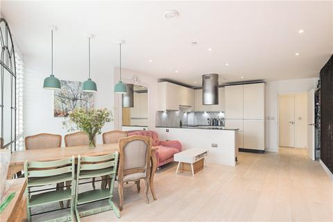 3 bedroom flat for sale - Black Prince Road, London, SE1