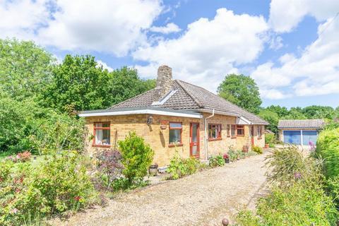 3 bedroom detached bungalow for sale - Briston