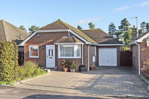 2 bedroom detached bungalow for sale - Longfield Place, Maidstone