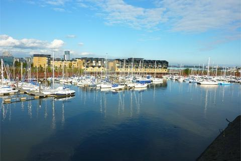2 bedroom flat for sale - Anchor Road, Penarth Marina