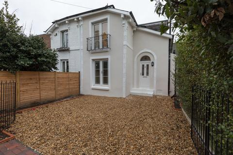 3 bedroom semi-detached house to rent - Florence Road, Southsea