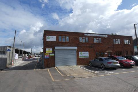 Industrial unit to rent - New Farm Road, Alresford, Hampshire, SO24