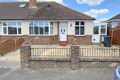 2 bedroom bungalow for sale - Vincent Close, Lancing, West Sussex, BN15