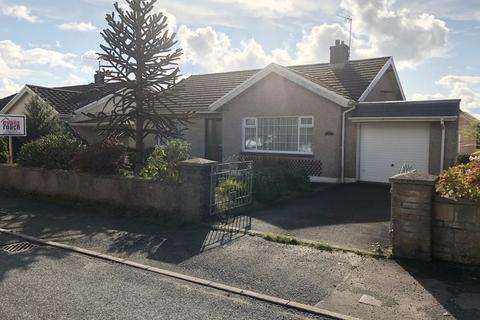2 bedroom detached bungalow for sale - New Road, Hook