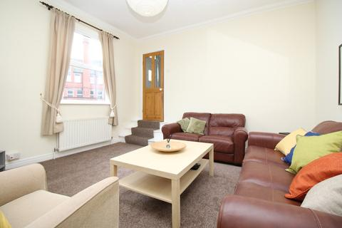 4 bedroom house share to rent - Cecil Street, Armley