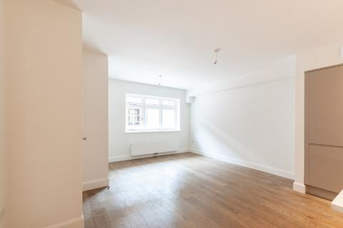 2 bedroom terraced house to rent - Burlington Mews, London