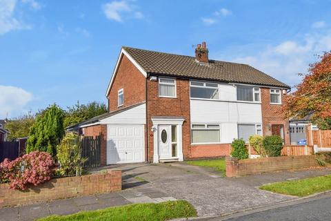 3 bedroom semi-detached house for sale - Buckingham Avenue, Farnworth