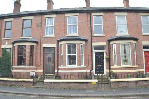 3 bedroom terraced house for sale - Mottram Road, Hyde