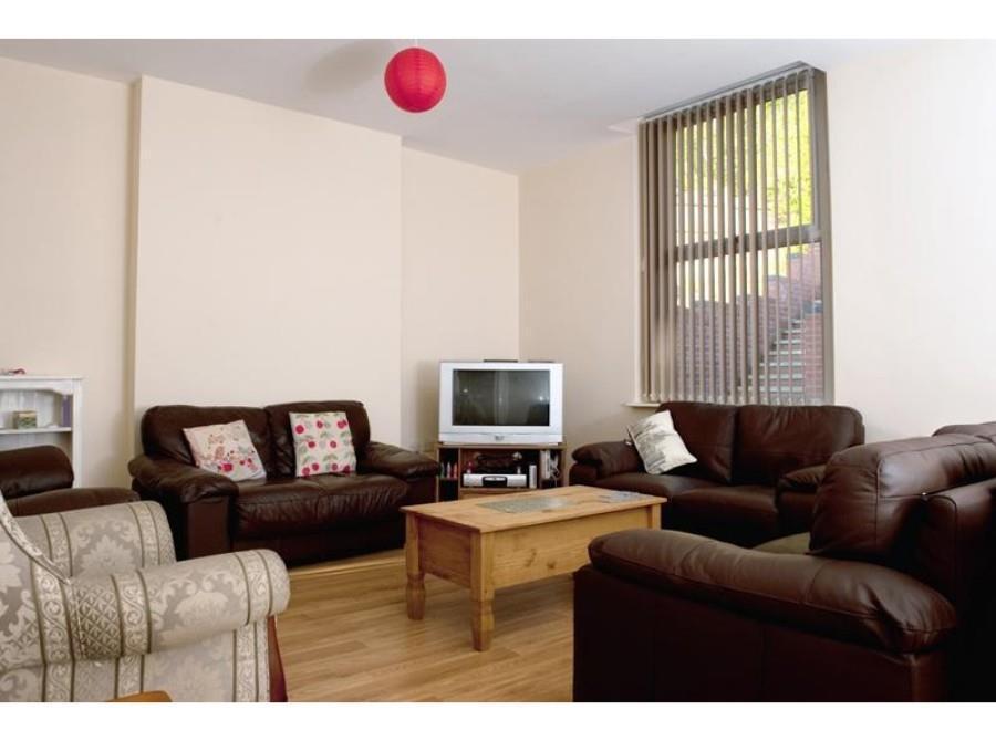 130   lounge.jpg
