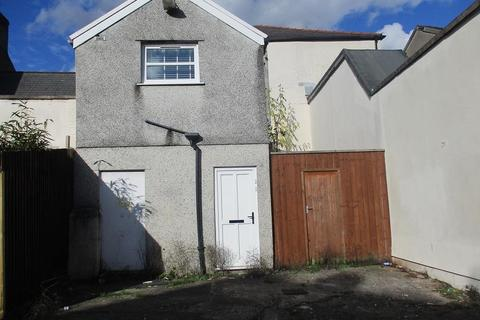 3 bedroom apartment for sale - Commercial Street, Aberdare