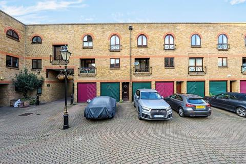 2 bedroom apartment for sale - Portland Square, Wapping, London