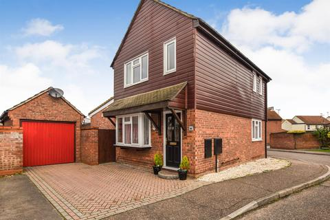 3 bedroom detached house for sale - Hallowell Down, South Woodham Ferrers