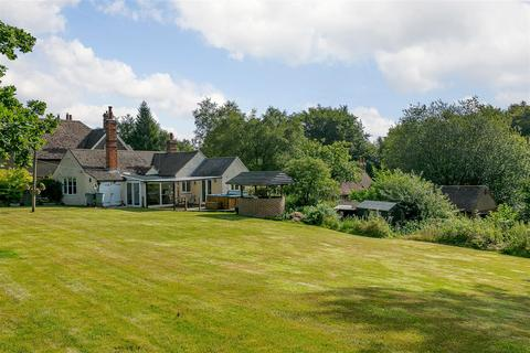 3 bedroom bungalow for sale - Toys Hill, Westerham