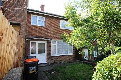 3 bedroom terraced house to rent - Churchfield Road, Houghton Regis, Dunstable