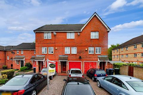 3 bedroom terraced house for sale - Rossington Close, Enfield