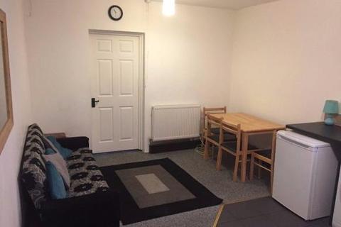 1 bedroom flat to rent - Culmington Road, Ealing, W13