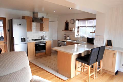 3 bedroom semi-detached house for sale - Clipsley Crescent, Haydock, St. Helens
