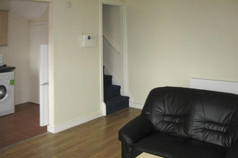 3 bedroom property - 38 Hessle Avenue, HydePark