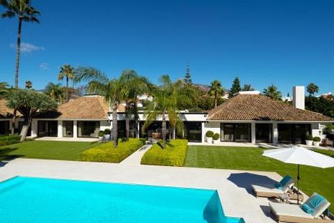 9 bedroom villa - Parcelas del Golf, Marbella, Malaga