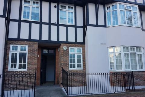 3 bedroom maisonette for sale - Eaton Court, Sinclair Grove , NW11
