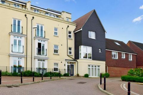 2 bedroom apartment to rent - Taylor Close Tonbridge TN9
