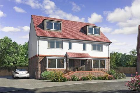 4 bedroom semi-detached house for sale - Lucas Close, Queenborough, Sheerness, Kent