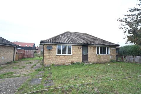 2 bedroom bungalow to rent - Aspal Place, Beck Row, Bury St. Edmunds, Suffolk, IP28