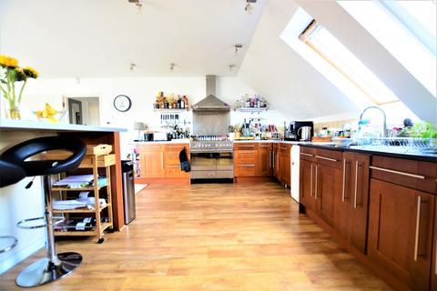 3 bedroom flat to rent - Eaton Gardens, , Hove, BN3 3TN