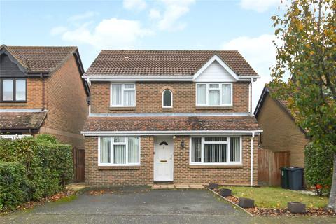 4 bedroom detached house for sale - Bluebell Close, Park Farm, Ashford, Kent, TN23