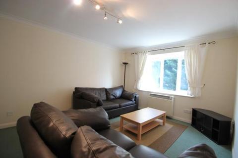 1 bedroom flat to rent - Missenden Gardens SL1 6LB