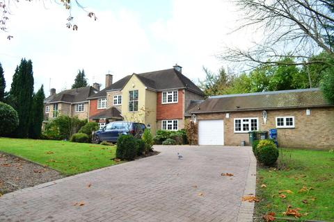 4 bedroom detached house to rent - Sandy Lodge Road, Moor Park, WD3 1LN