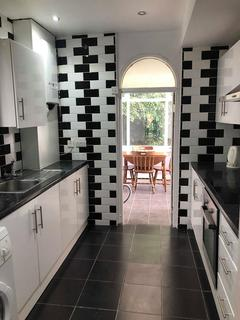 4 bedroom house share to rent - 34 Langdale Gardens, Headingley, Leeds LS6