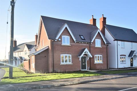 4 bedroom detached house for sale - Montague Place, Worlds End Lane, Weston Turville, Buckinghamshire