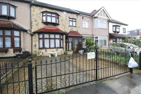 3 bedroom terraced house to rent - Cranley Road, Ilford