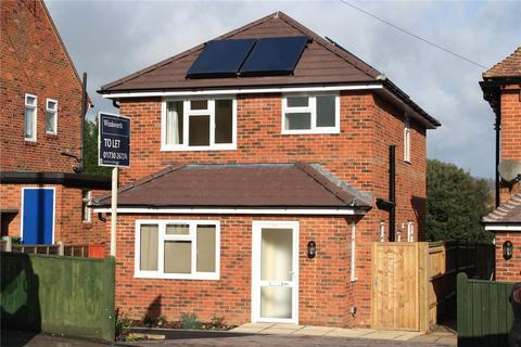 3 bedroom detached house to rent - Cranford Road, Petersfield, Hampshire, GU32