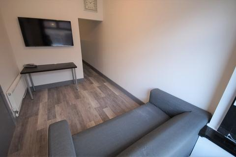 1 bedroom apartment - Bolingbroke Road, Coventry, CV3 1AR