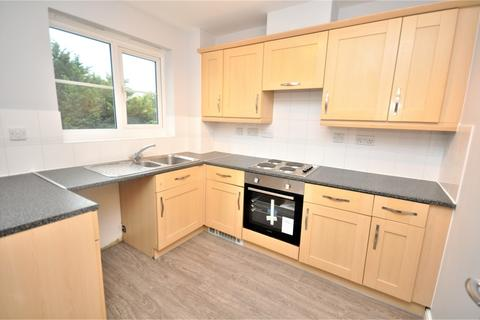 2 bedroom apartment to rent - Sherriff Close, Esher