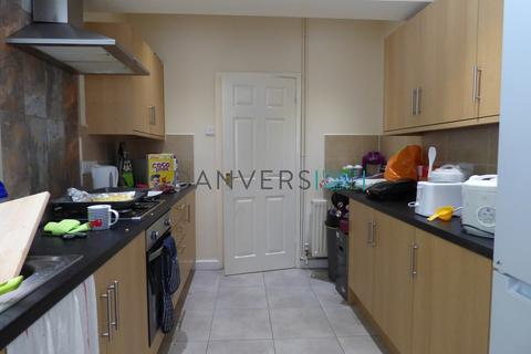 5 bedroom terraced house to rent - Barclay Street, Leicester
