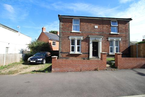 House share to rent - Military Road, Colchester, CO1 2AJ