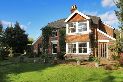 4 bedroom detached house for sale - Rye Road, Hawkhurst, Kent, TN18 5DA