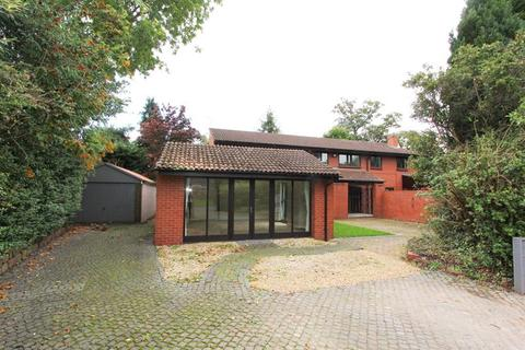 5 bedroom detached house to rent - Green Bank, Chester