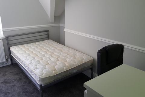 8 bedroom flat to rent - Uplands Crescent, Swansea,