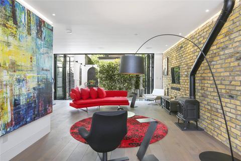 3 bedroom mews to rent - Pembridge Mews, Notting Hill, W11