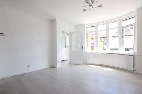 3 bedroom semi-detached house to rent - Grove Gardens, Enfield EN3