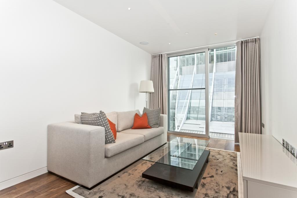 1 Bedroom Flat for sale in The Heron, 5 Moor Lane, London, EC2Y