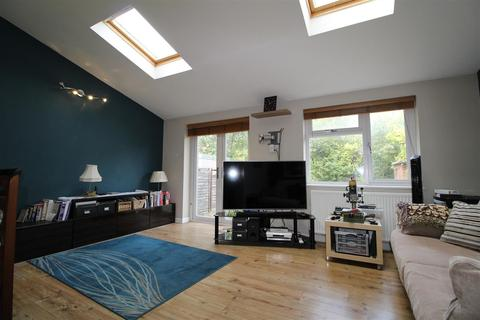 2 bedroom end of terrace house for sale - Benning Avenue, Dunstable